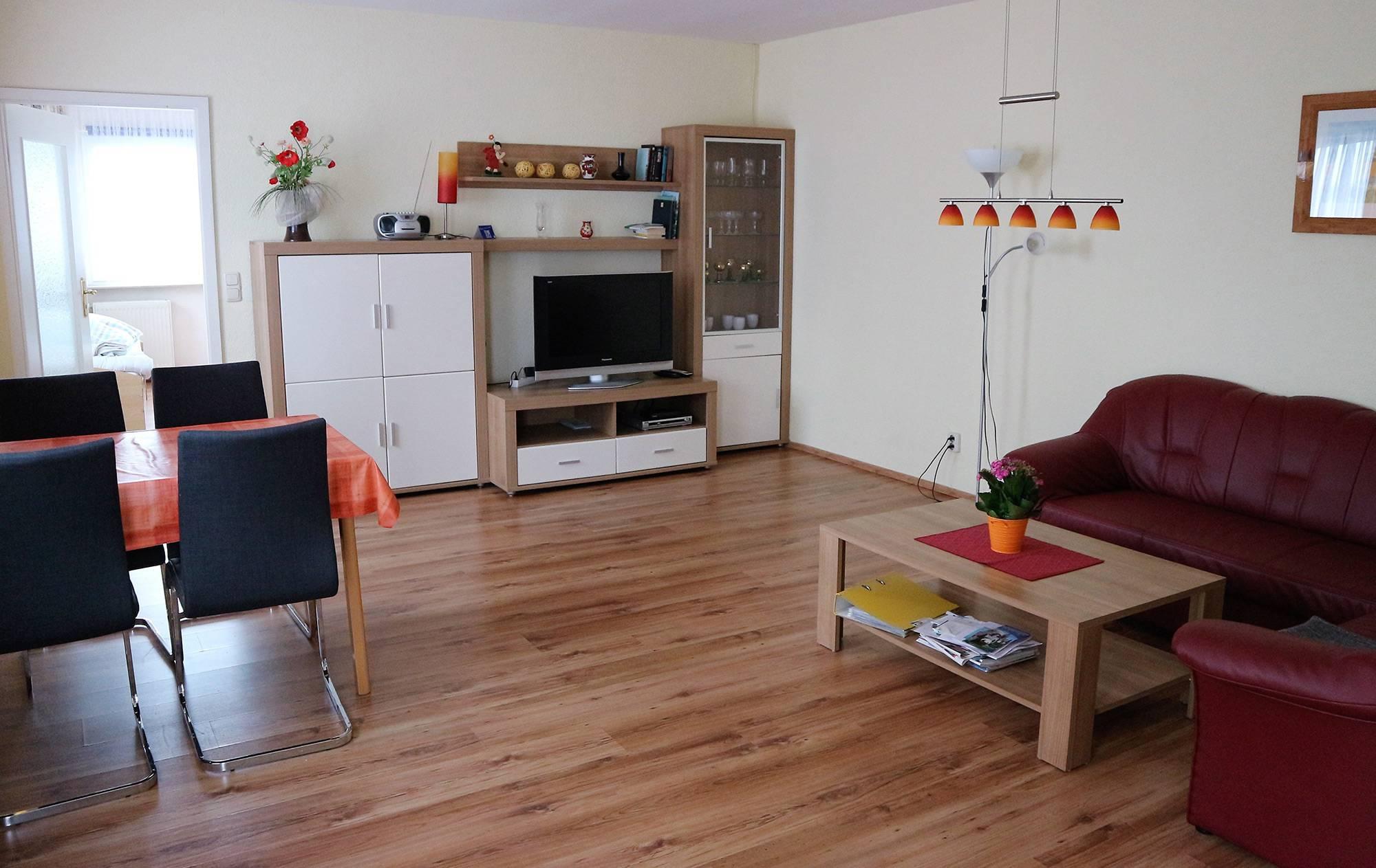 bootshaus-ditze-ferienwohnung-wohnzimmer